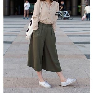 Uniqlo Forest Green Culottes | M